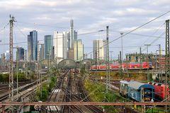 Ankunft Frankfurt, Hauptbahnhof; dieser Zug endet hier...