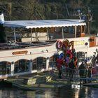 Ankunft Sankt Nikolaus mit Dampfer in Lanaye (B)