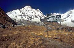 Annapurna Base Camp (4130 m) und Annapurna South (7219 m)