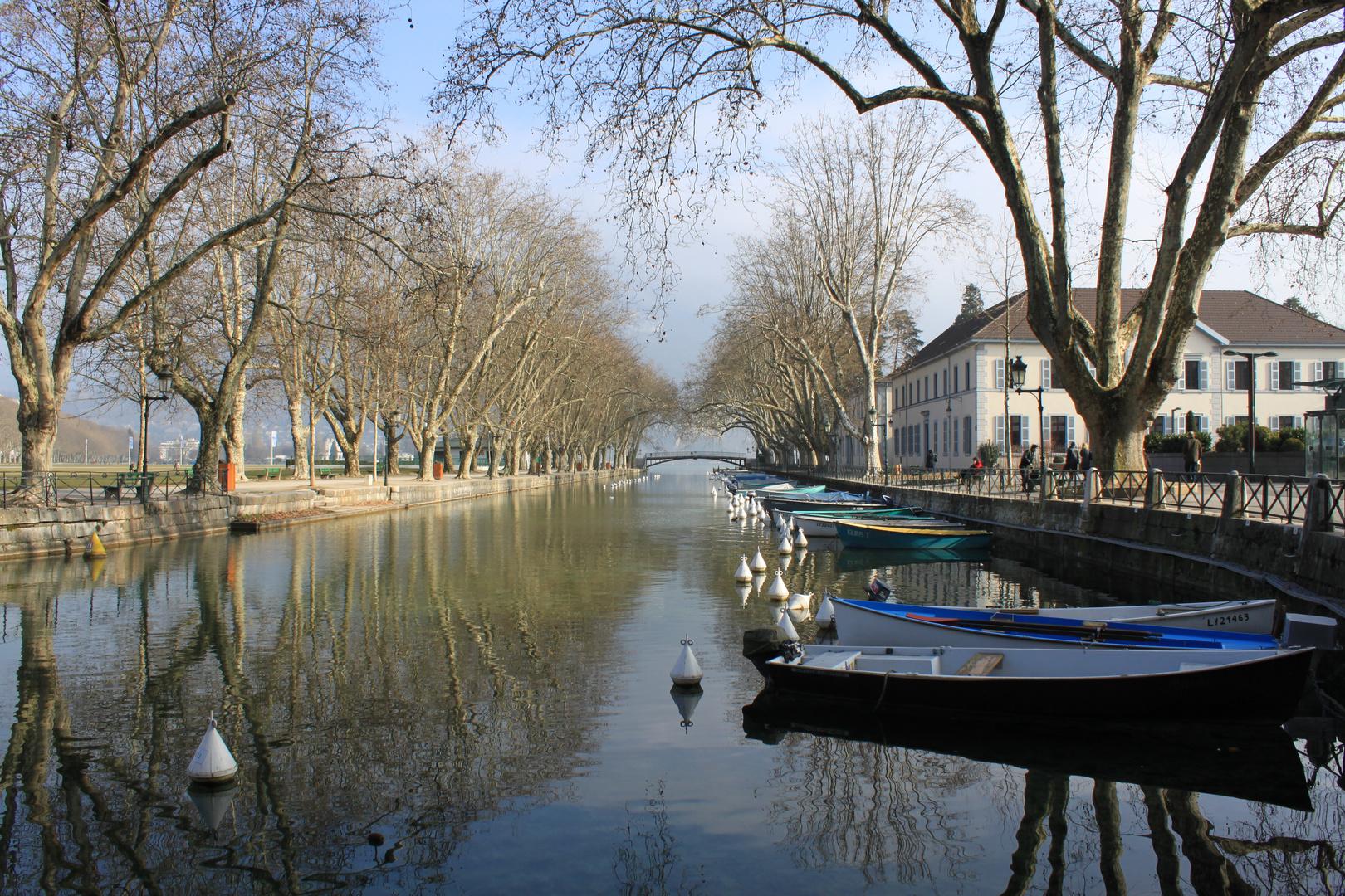 Annecy vue sur le pont des Amoureux