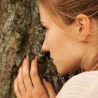Annelie am Baum