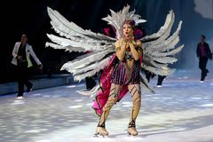 Annette Dytrt - Holiday on Ice PASSION-Show 0895