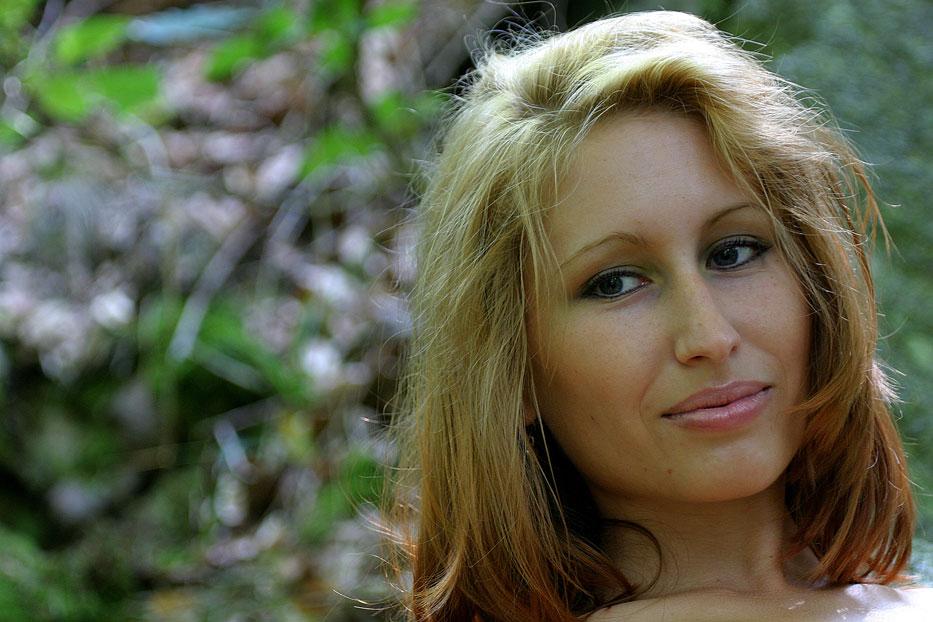 Annette Yvonne