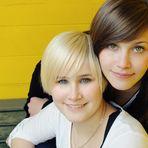 [Annika & Vanessa]