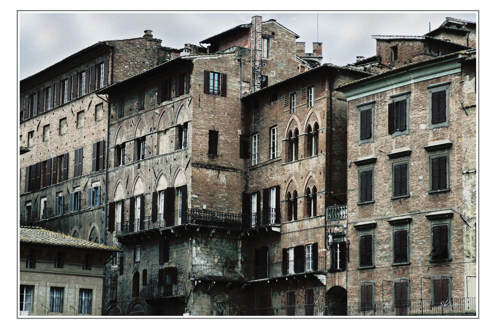 Ansicht am Marktplatz von Siena