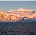 Antarktis 07: Sonnenaufgang in der Paradise Bay