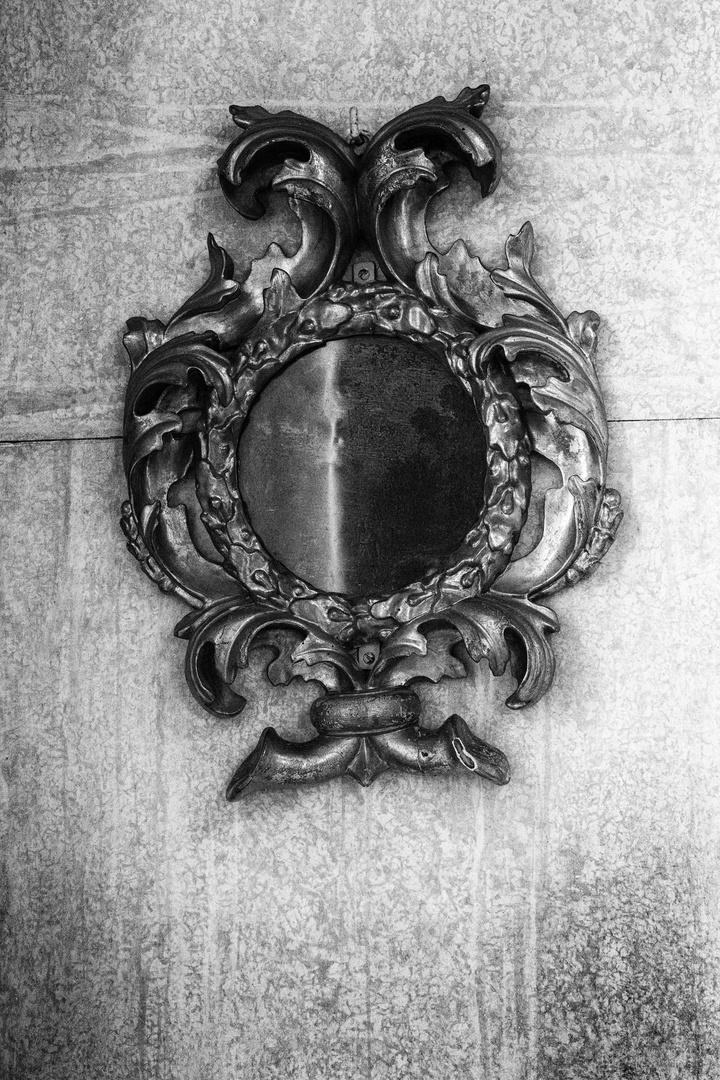 Antico specchio