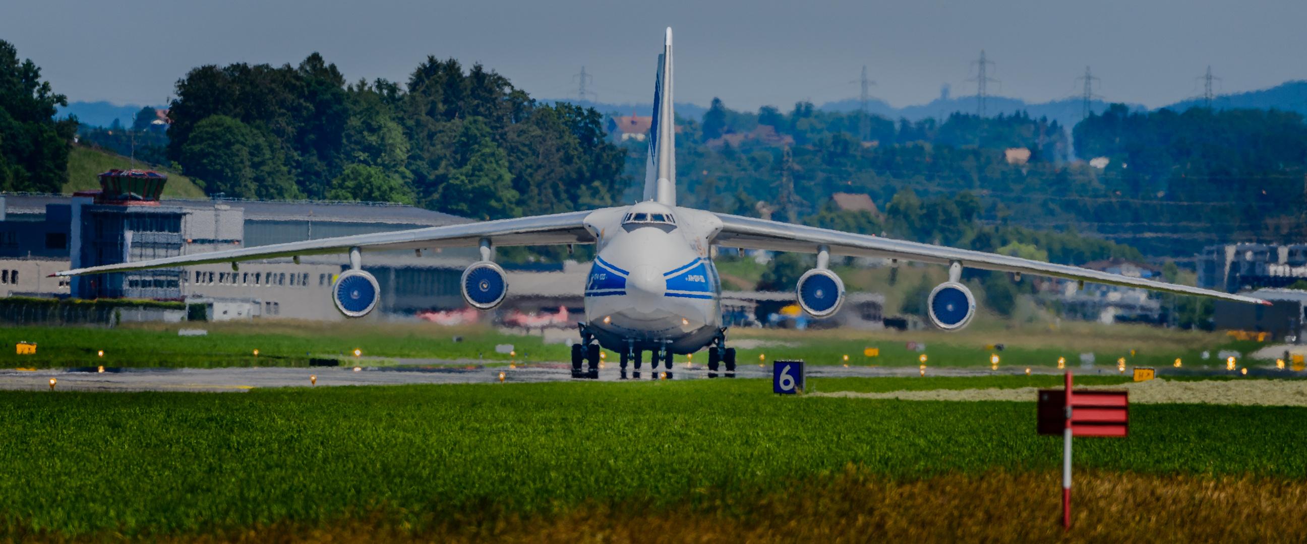 Antonow AN 124-100