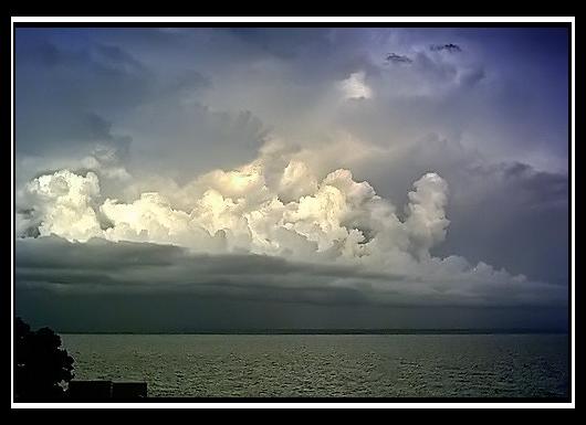Anuncio de tormenta