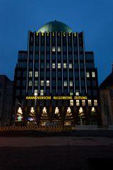 Anzeiger Hochhaus mit Baustelle