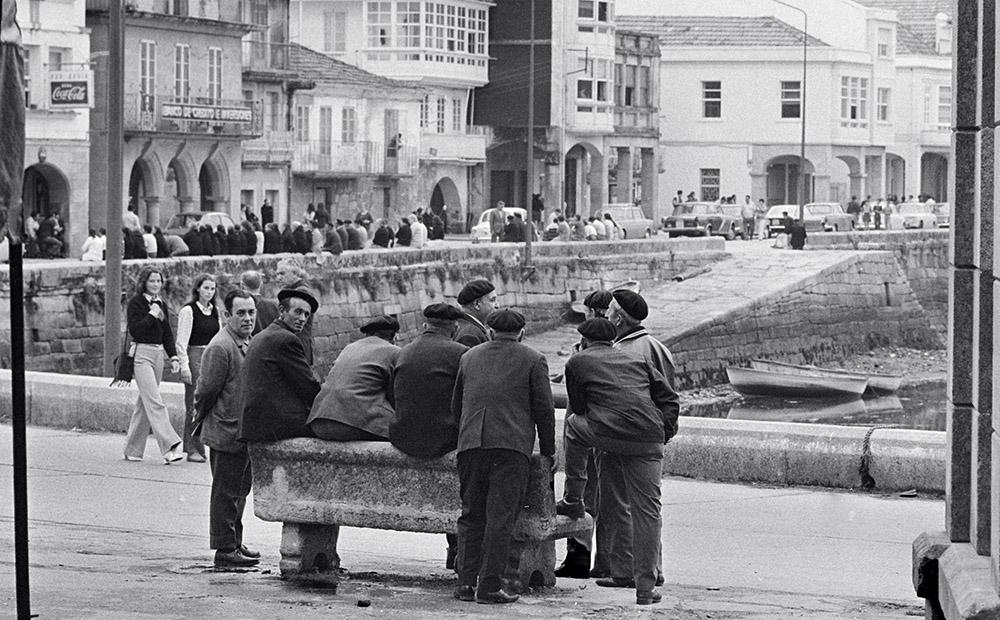 Año 1.969.En el puerto de Muros (A Coruña)