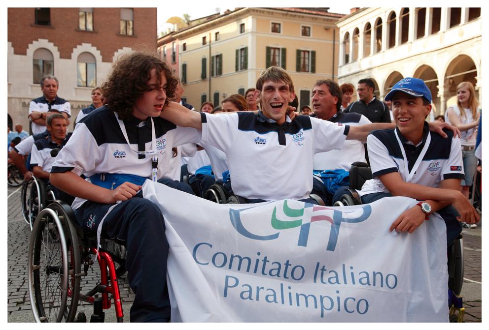 Apertura Mondiali di tennis su carrozzella a Cremona