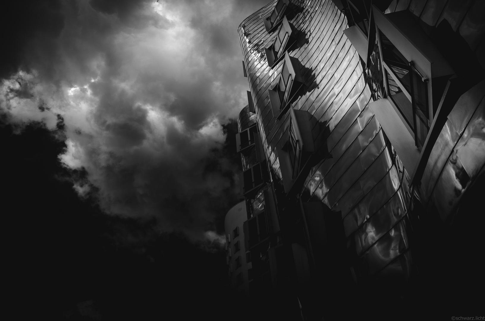 ...apokalptic sky
