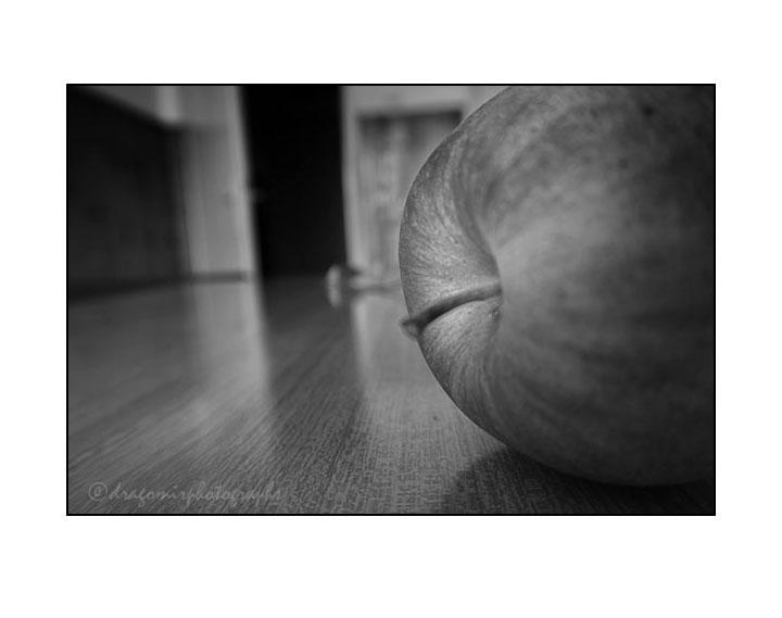 Apple & Unknown