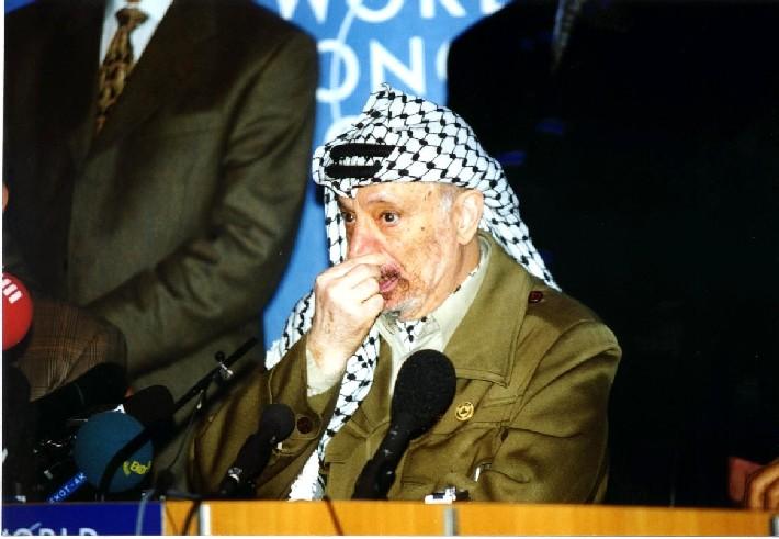 Arafat auf Pressekonferenz