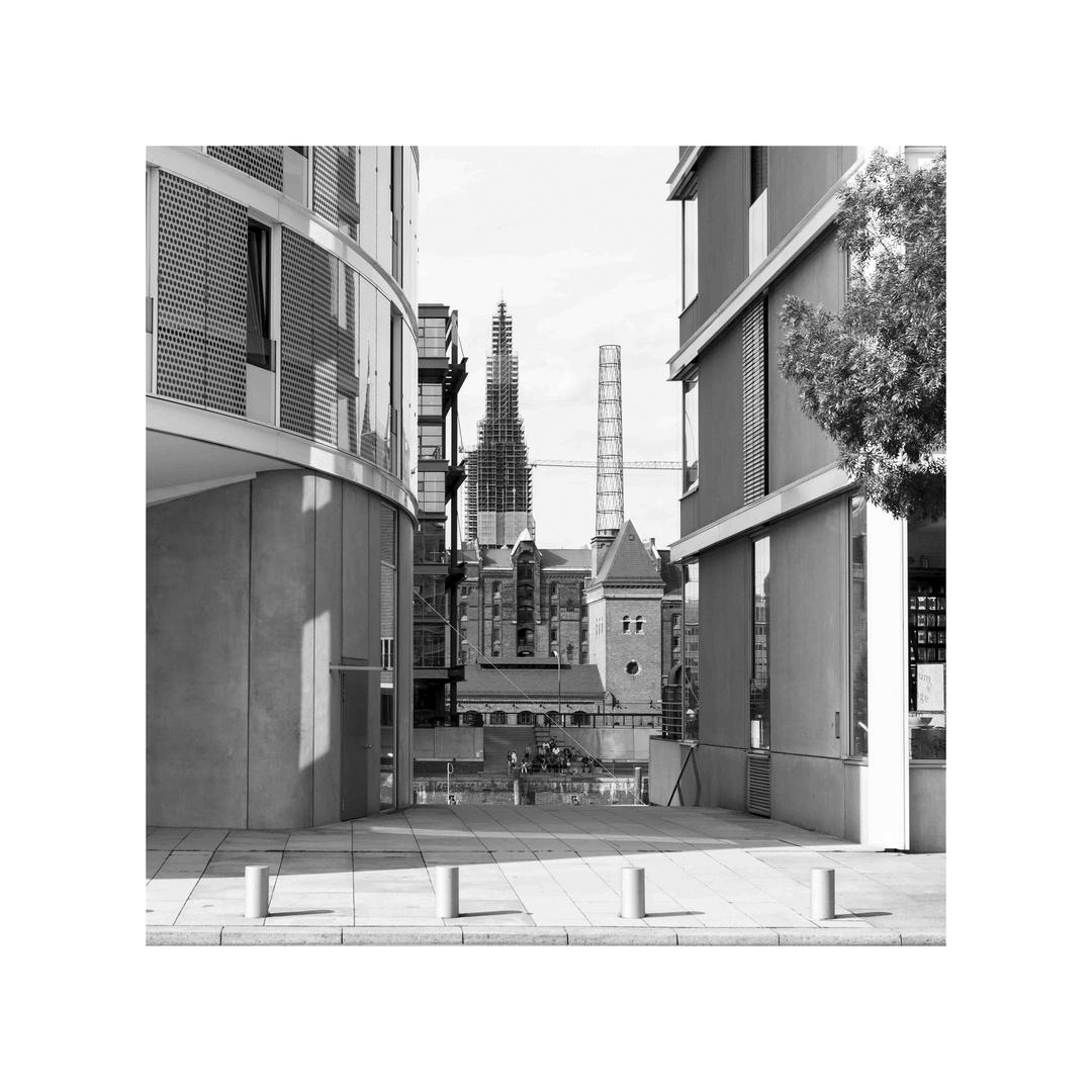 Architektur in mehreren Ebenen in Hamburg
