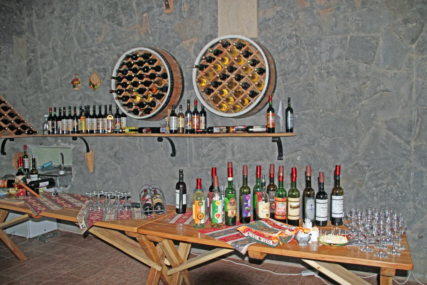 Areni: Armenische Weine stehen zur Verkostung bereit
