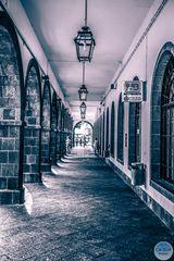 Arkaden in der Rua M.Ponte zum Hafen Ponta Delgada Azoren