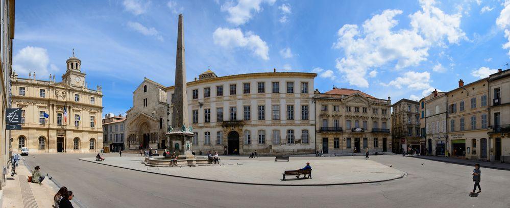 Arles Place de la Republique Panorama