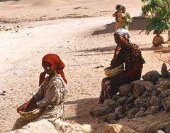 Armana am Nil - Mädchen machen Pause