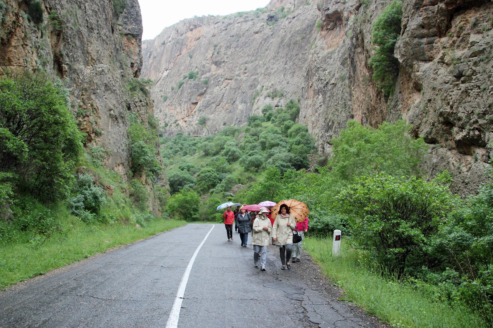 Armenien: Wanderung durch die Schlucht des Amaghu,