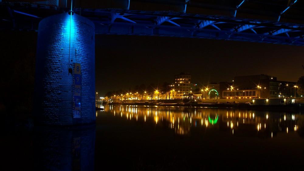 Arnheim bei Nacht