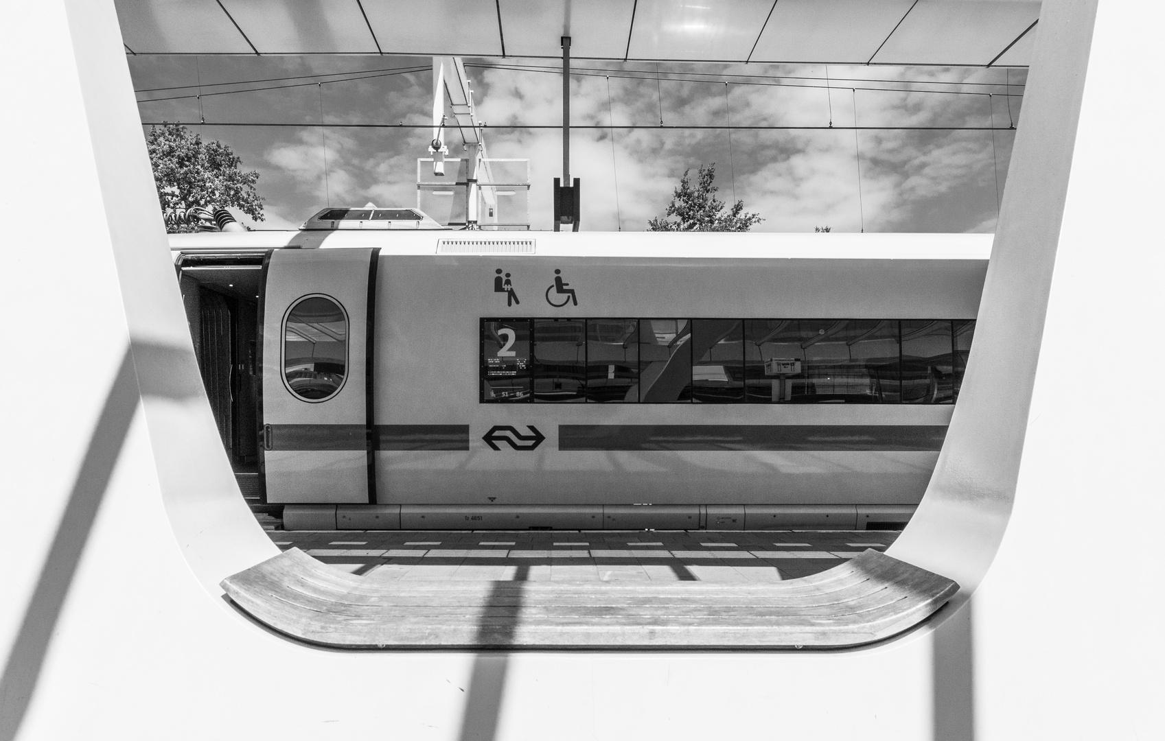 Arnhem -  Central Railway Station - 04