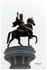 Aschgabat - Reiter auf der Säule