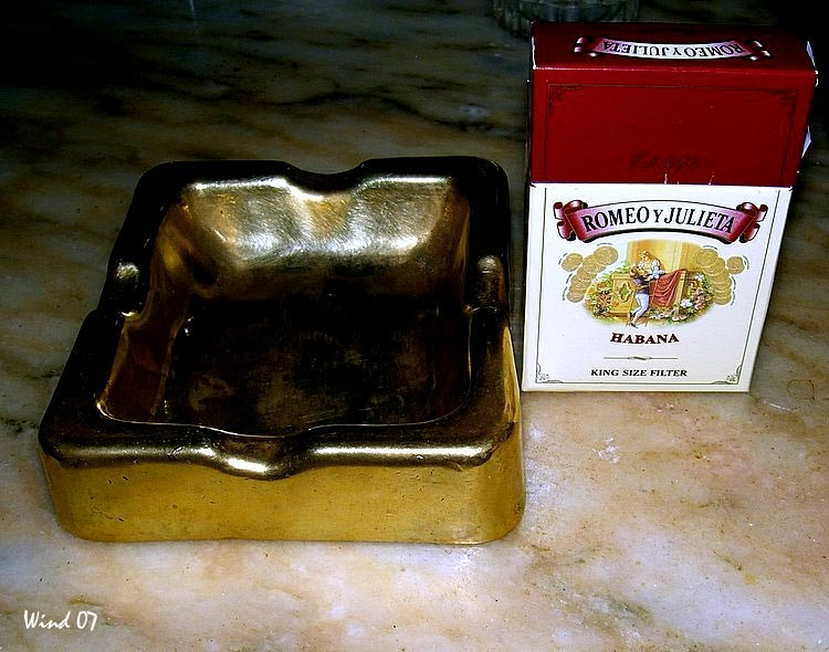 Ash tray and tobacco