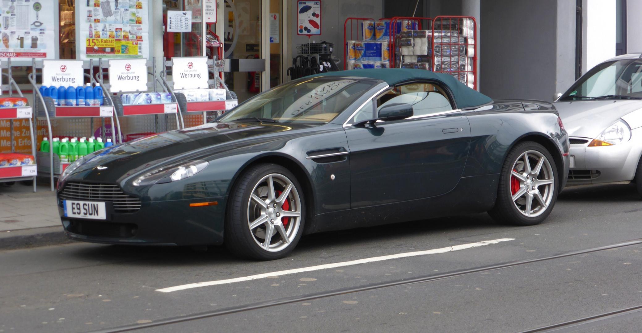 Aston Martin V8 Vantage 2005 2008 Roadster Foto Bild Autos Zweiräder Sportwagen Verkehr Fahrzeuge Bilder Auf Fotocommunity