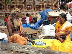 Astrologe mit Kundin