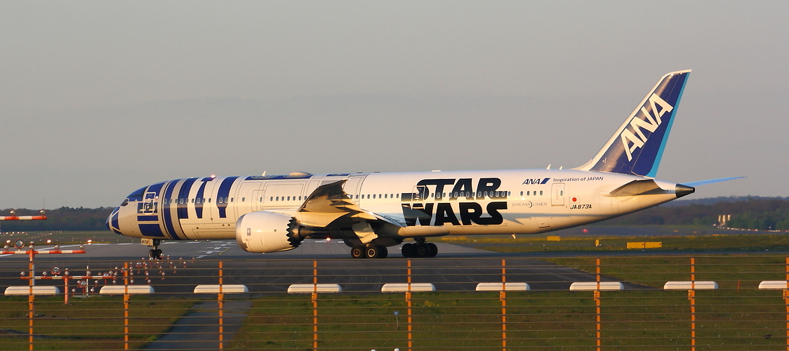 Astromech 787 clear for takeoff