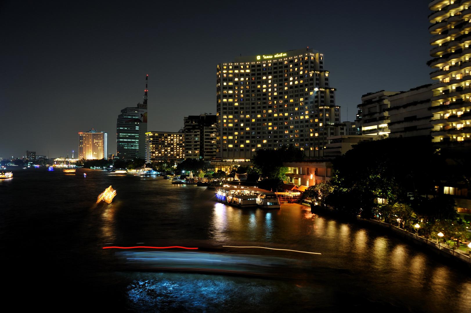 at night at the Chao Phraya