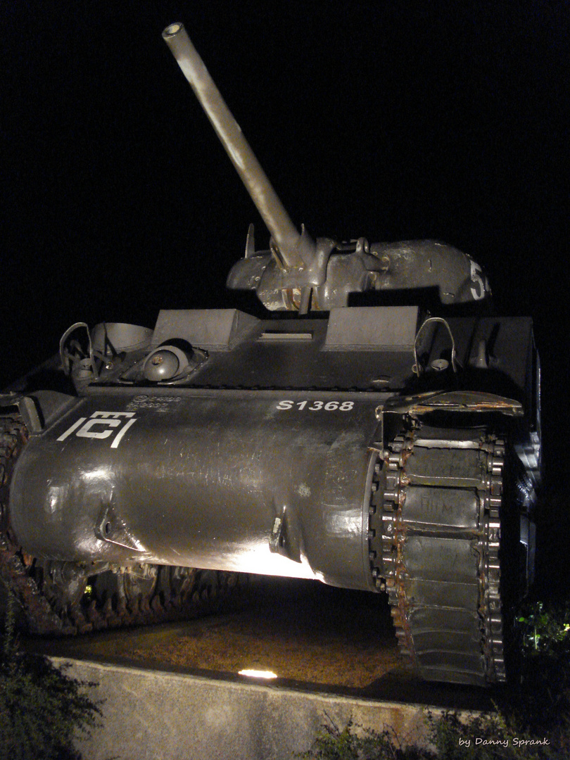 at night in Arromanches