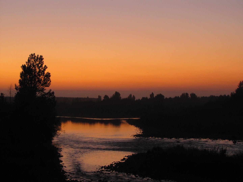 Atardecer en el rio duqueco