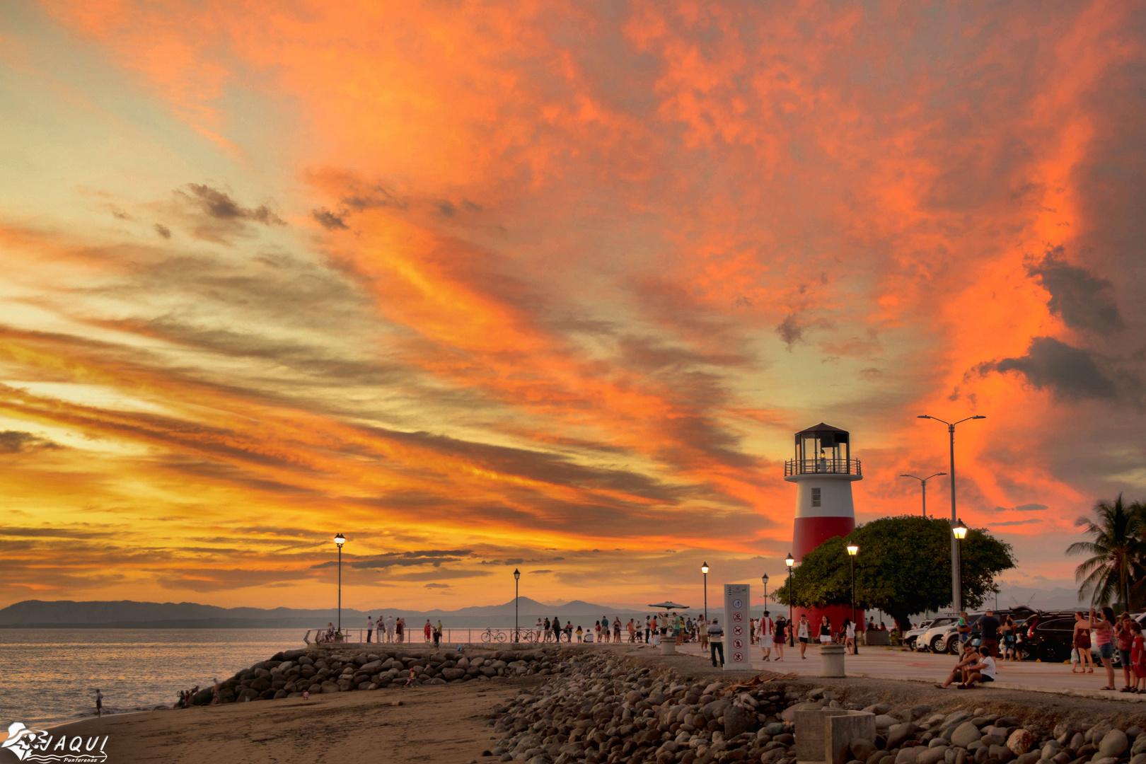 Atardecer en la Punta de Puntarenas,