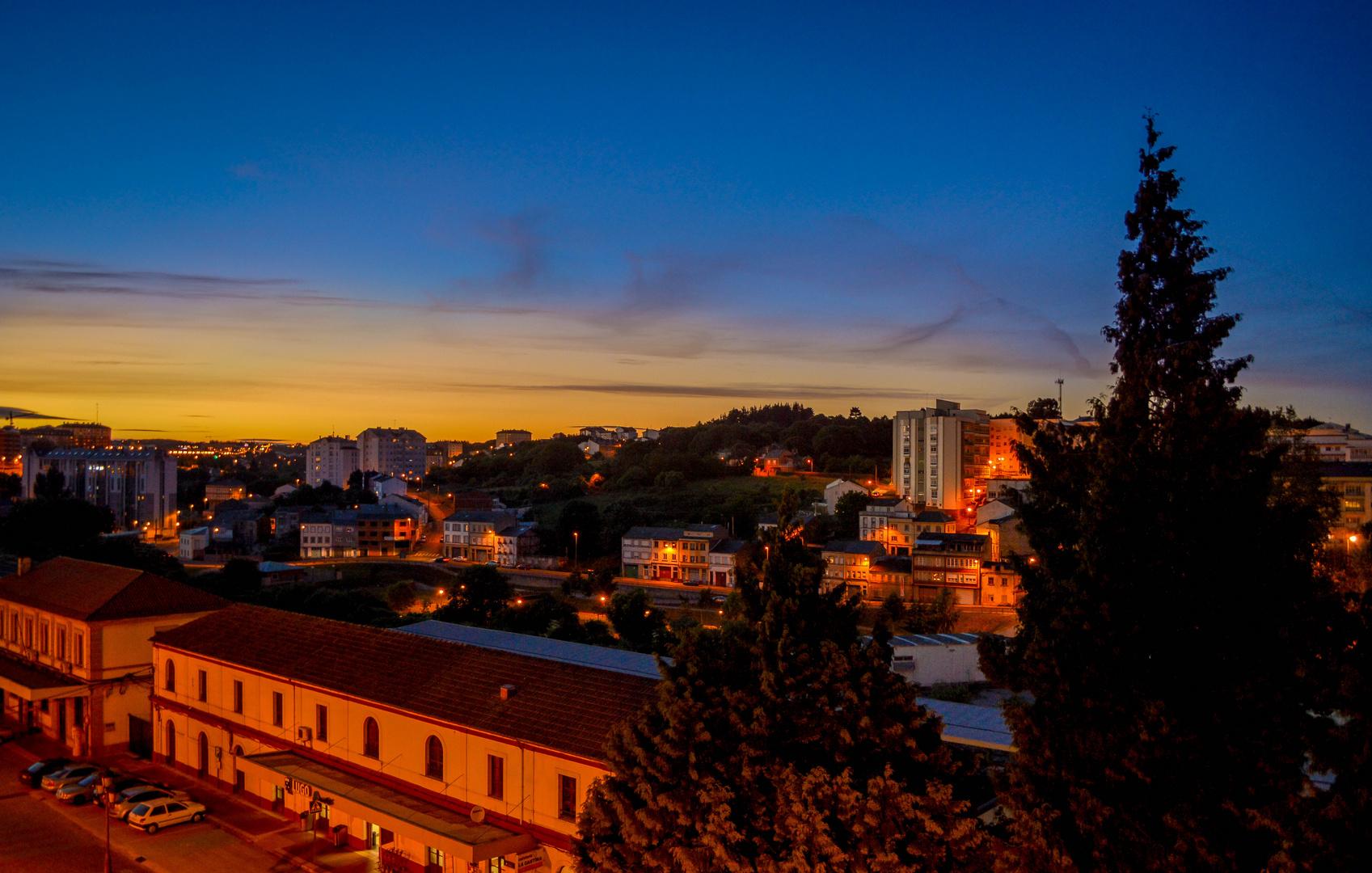 Atardecer en Lugo Imagen & Foto | ciudades, motivos Fotos de ...