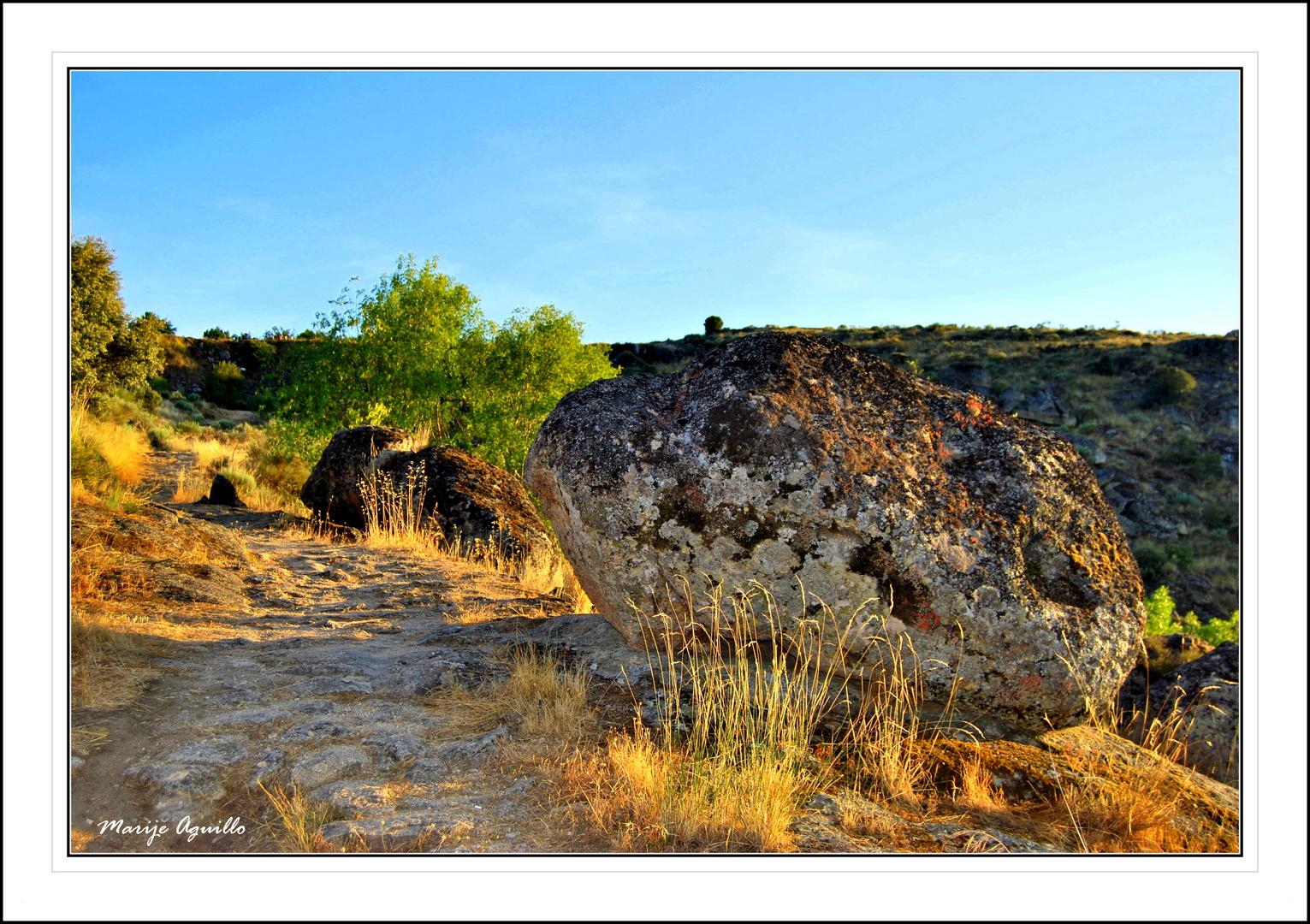 Atardecer en paisaje granítico