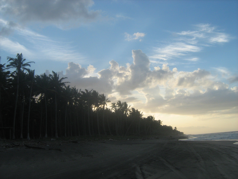 atardecer en playa paraiso...