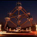 atomium@night