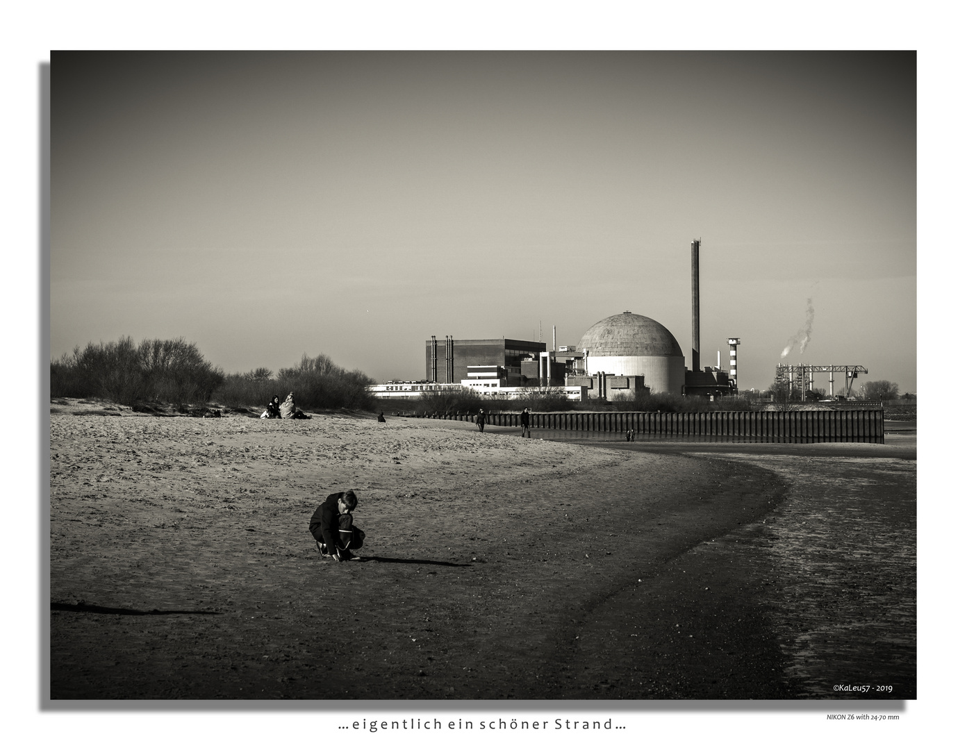Atomkraftwerk am Elbstrand