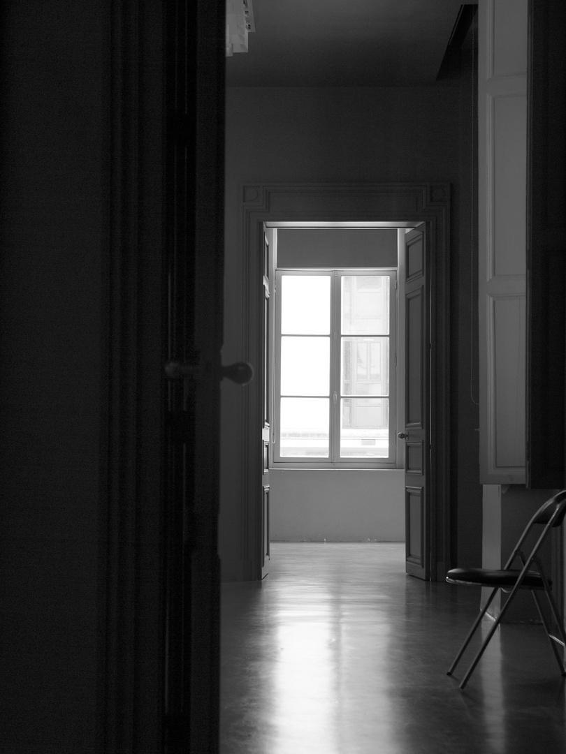 Au fond la fenêtre