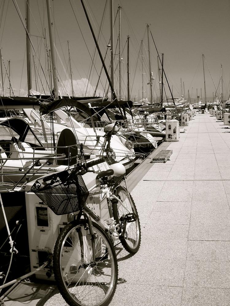Au port d'Antibes