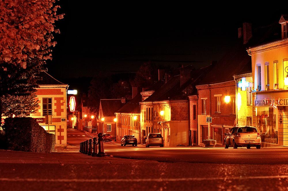 Aubenton bei Nacht
