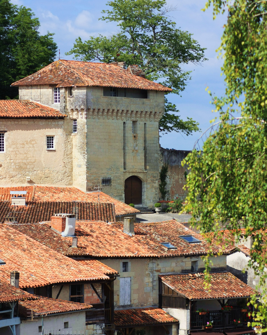 aubeterre (16) ville medieval