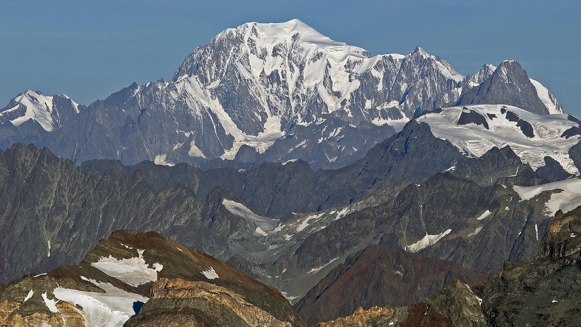 Auch 6 Bergebenen hinter einander aber in den Alpen...