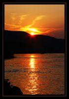 Auch am Rhein gibt es Sonnenuntergänge...