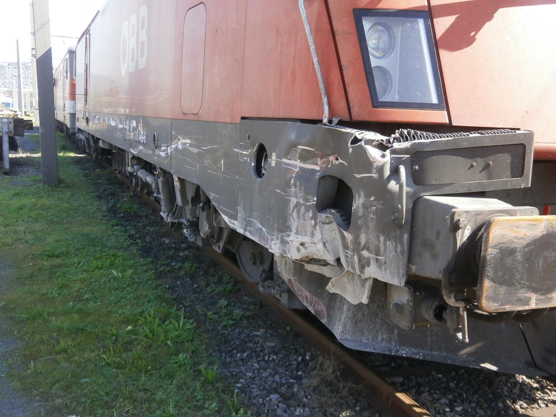 Auch das ist Eisenbahn (1116 149-6 nach Unfall )