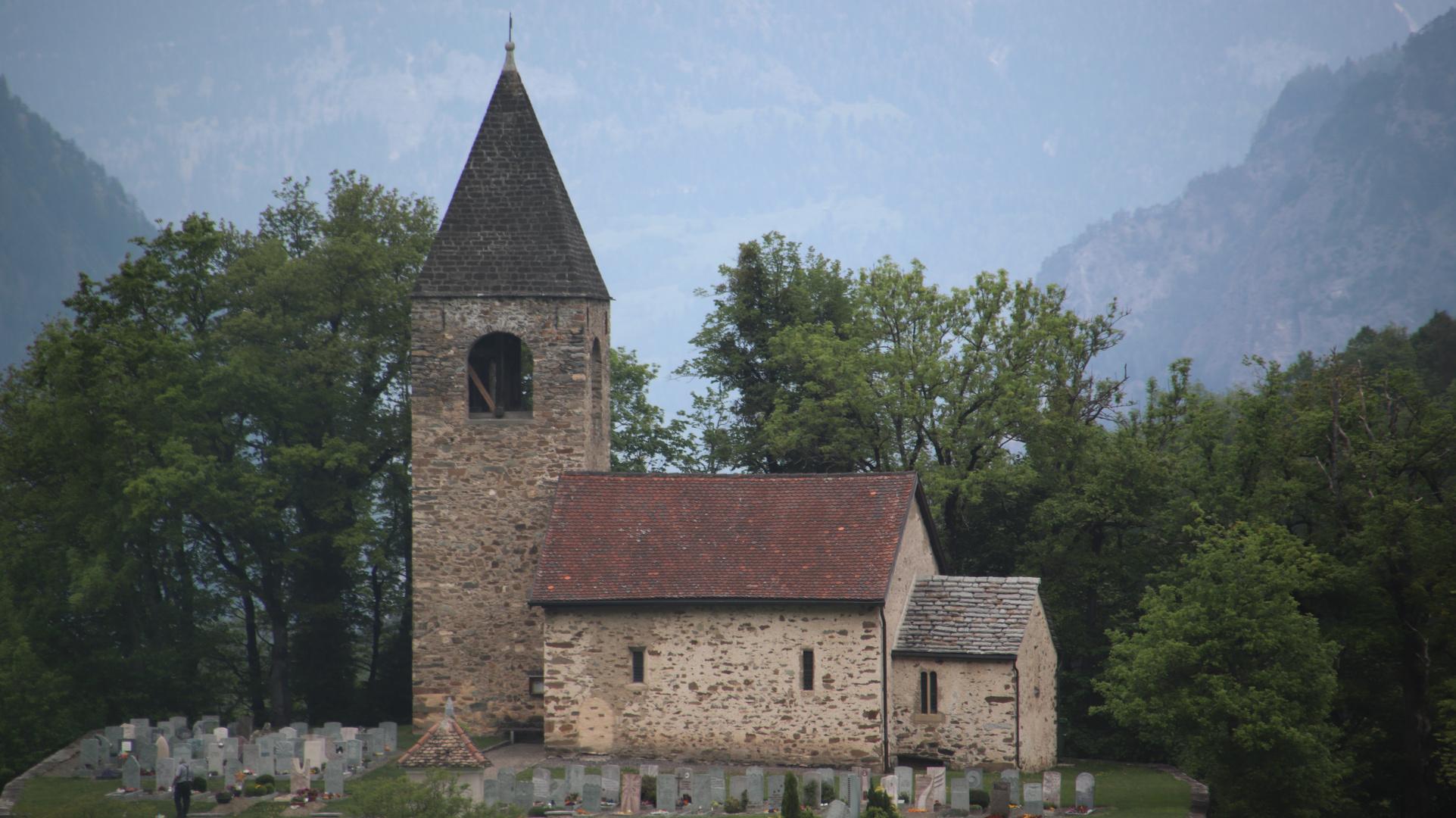 Auch die Kirche St.Cassian konnte ich aus dem fahrenden Zug aufnehmen