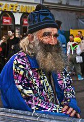 Auch für diesen alten Mann ist Fasching!
